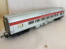 TRIANG TC R440  SALOON 70831 RED SILVER RIBBED ROOF transcontinental SERIES 2