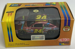 Revell Nascar Jeff Gordon DuPont Chevrolet Monte Carlo 1998 1:64th