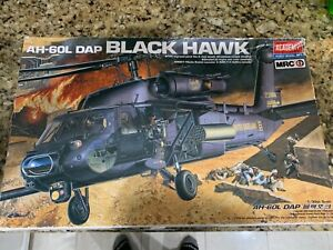 Academy 1/35 AH-60L DAP BLACK HAWK Military Model Helicopter New in box open