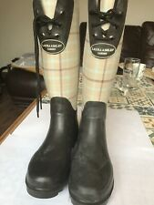 Laura Ashley Brown Checked Wellies New With Tags  Size 4