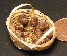 1:12 SCALA 18 PUZZONI patate NOVELLE in un cesto vegetale in miniatura casa delle bambole