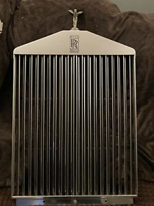 Rolls Royce Grill With Spirit Of Ecstacy