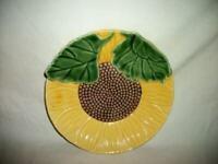 VINTAGE MAJOLICA PLATE Sunflower Portugal Nice Chic Paris Apt Shabby