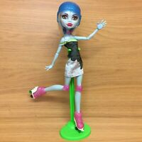 Monster High Skultimate Roller Maze Abbey Bominable Skate Doll With Stand