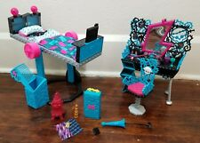 Monster High Frankie Stein Dead Tired Mirror Bed and Vanity Set with Accessories