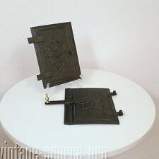 antike Gründerzeit Ofentüre 2 flügelig ca. 36 x 24,5 cm Gusseisen um 1880