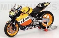 MINICHAMPS 037146 Honda RC211V Valentino Rossi Repsol MotoGP 2003 1:12th scale