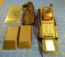 Vintage Motorola Flip Cell Phone 72564AD Retractable Antenna Mobile + stuff.