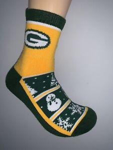 GREEN BAY PACKERS NFL JERSEY LOGO SNOWMAN 1/4 LENGTH GRIPPER SOCKS MEDIUM