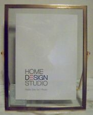 HOME DESIGN STUDIO - GOLD RIM & CLEAR GLASS STANDING 5 X 7 PHOTO FRAME - NEW