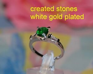 1ct 5mm emerald DIAM0NDS 3 stones ring size L 6