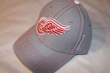 Detroit Red Wings NHL Hockey Reebok  Cap Kappe Snapback Curved Visor Eishockey