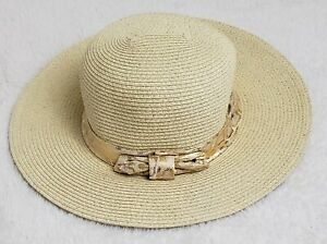 LOT OF 2-  Vintage bebe Straw Sun Hat's / Great Condition