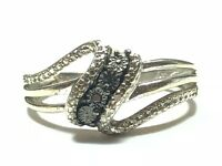 Gorgeous Ladies Sterling Silver Ring - Elegant! - A Must See! - Size 7