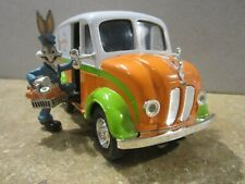 Disney Bugs Bunny Divco Delivery Truck 1:25 Diecast