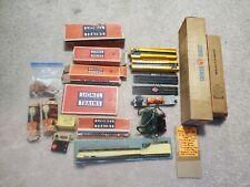 Vintage Postwar Lionel Barrel Loader 362 12 barrels & Much More Read Description