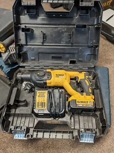 DeWalt sds hammer drill Dch133 Used Good Condition 18v 4ah