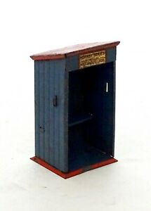 VINTAGE HORNBY MECCANO TIN PLATE - O GAUGE - SHELTER HUT - GOOD CONDITION