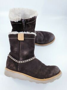Clarks size 11.5 F (29.5) brown suede side zip fleece lined ankle boots