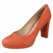 Scarpe da donna arancioni marca Clarks tacco alto ( 8-11 cm )