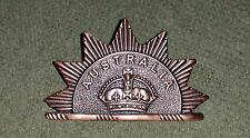 BOER WAR AUSTRALIAN COMMONWEALTH HORSE RISING SUN HAT BADGE - ARMY