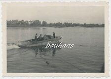 Foto deutsche Landser/Pioniere mit Boot 2.WK (d294)