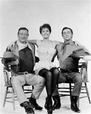 JOHN WAYNE, ROBERT MITCHUM, CHARLENE HOLT EL 8X10 PHOTO