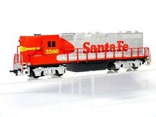 La Vida como Aus 8976 H0 Locomotora Diesel de EE.UU. Gp 38 Santa Fe,Plata / Rojo