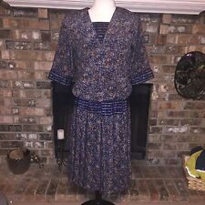 Vintage Women's Perceptions peasant Dress. Pleated skirt UNION MADE IN USA blue