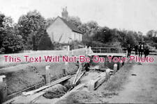 ES 1000 - Barge In Locks, Canal, Roydon, Essex c1905 - 6x4 Photo
