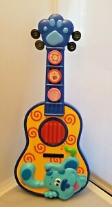 Blue's Clues & You! Sing Along Guitar Doggie Blues with buttons