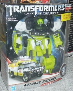 Transformers Dark of the Moon RATCHET Complete Voyager Dotm