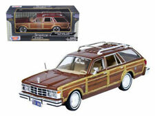 MOTORMAX 1979 CHRYSLER LEBARON TOWN AND COUNTRY BURGUNDY 1/24 DIECAST 73331