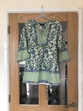Principles Petite Size 8 Green And Blue Floral Patterned Top With Tie Belt