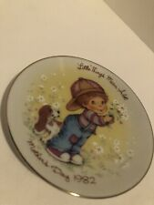 """Avon 5"""" Mother's Day Plate """"Little Things Mean A Lot"""" - 1982 Mint"""