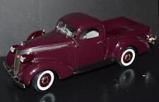 Road Signature 1/18 Car 1937 Studebaker Coupe Express Pickup #92458 Purple