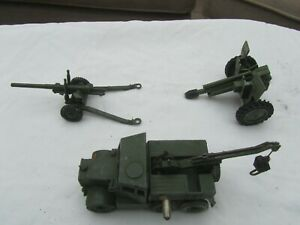 Dinky toys-military : Recovery Tractor, 5.5 Medium gun and damaged field gun