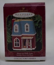 Hallmark Keepsake Ornament House on Holly Ln 1999 Nostalgic Houses and Shops #16