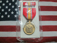 US National Defense Service Medal & Ribbon Set Regular Full Size 1992 GI Issue