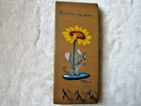 "VINTAGE HAND PAINTED HANDCRAFTED WOOD MOUSE ""RAIN RAIN GO AWAY "" WALL KEY HOLDER"