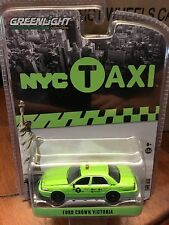 Greenlight  HOBBY EXCLUSIVE Ford Crown Victoria NYC Boro Taxi