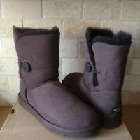 UGG Classic Short Bailey Button Chocolate Brown Suede Wool Boots Size 11 Womens