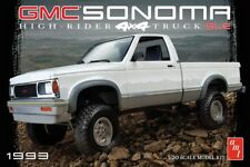 AMT 1/20 1993 GMC Sonoma 4x4 Plastic Model Kit AMT1057