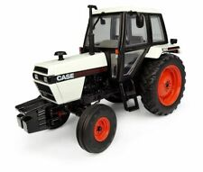 UH CASE 1494 2WD TRACTOR 1/32 SCALE - NEW IN