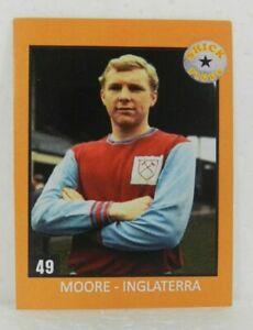 BOBBY MOORE - ENGLAND STICKER CARD SOCCER N°49