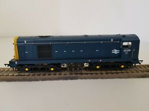 BACHMANN OO GAUGE CLASS 20 028 BR BLUE WITH DISCS / TABLET CATCHER RECESSES