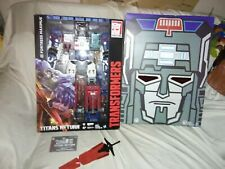 Hasbro SDCC 2016 Transformers TITANS RETURN Fortress Maximus Figure