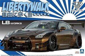 1:24 Scale Aoshima LB Works Nissan R35 GTR Golden Liberty Walk #329p