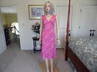 Diane Von Furstenberg 100% Silk Magenta Fit & Flare Sheath Dress Size 4