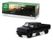 1997 CUCTOM CHEVROLET C-3500 CREW CAB SILVERADO BLACK 1:18 GREENLIGHT 19016